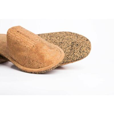 Slippers slippers made of cork fabric