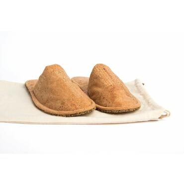 Slippers clogs made of cork